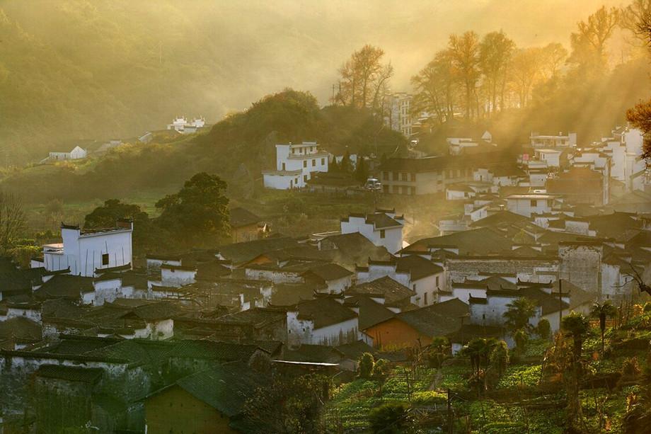 石城枫之晨雾(婺源最容易出大片的地方)